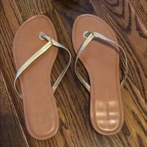 Banana republic gold flip flops